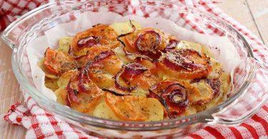 Gratin de pommes de terre et oignons croustillants