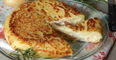 Tarte aux pommes de terre farcie cuite à la poêle