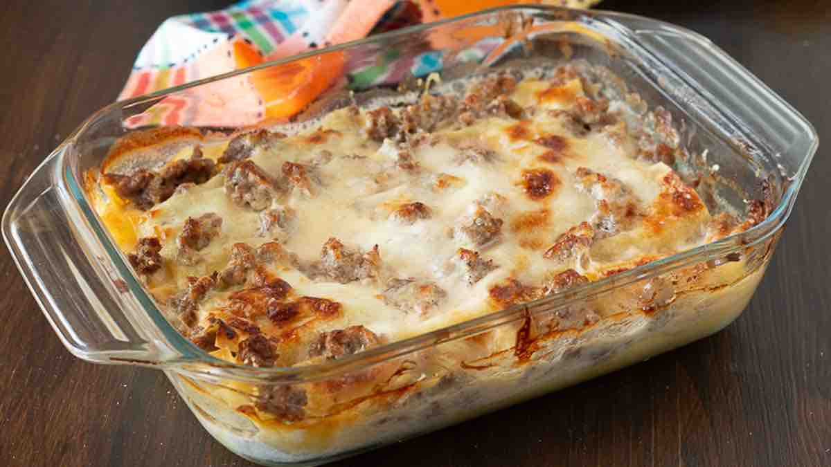 Lasagnes aux saucisses et à la mozzarella