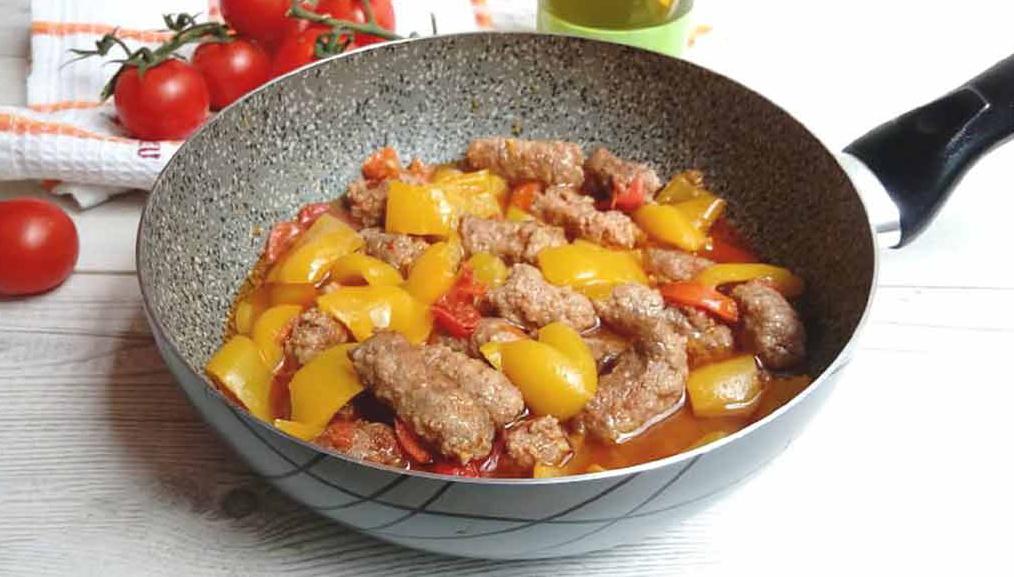 Savoureuses saucisses aux poivrons