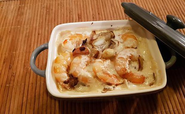 Cassolette de crevettes aux légumes et aux épices