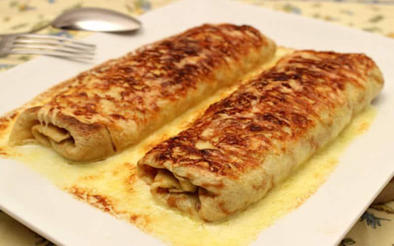 Ficelle Picarde: crêpe garnie de jambon et champignons