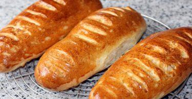Pain au lait ou baguette viennoise extrêmement moelleux