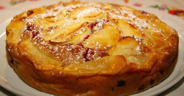 Clafoutis aux pommes flambées au Calvados