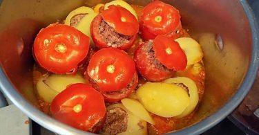 Tomates et pommes de terre farcies en cocotte